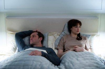 360 - Jude Law és Rachel Weisz