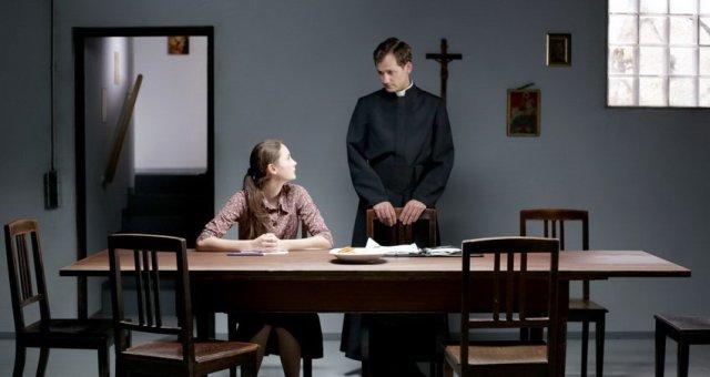 Keresztút - Lea van Acken és Florian Stetter